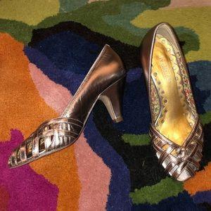 Seychelles silver dance heels